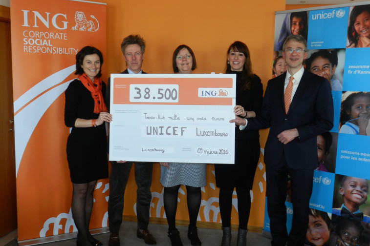 Ing donates u20ac38 500 to unicef luxembourg to help young people in
