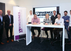 minusines phoenix contact photo