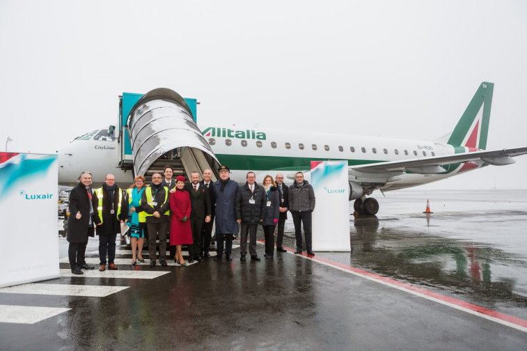 LG delegation welcomes first flight from Linate