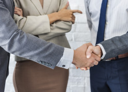 business-team-handshake